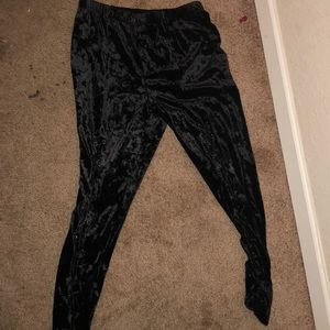Pants - Velvet leggings black they are cute never worn